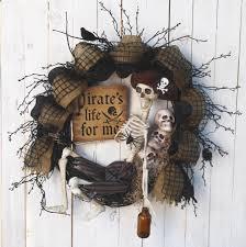 Fall Halloween Wreaths by 28 In Halloween Wreaths Pirate Skeleton Wreath Pirate U0027s