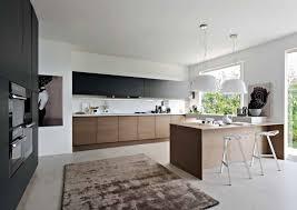 amenagement cuisine rectangulaire aménagement cuisine blanche et bois 35 idées cool couleur
