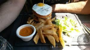 au bureau la garde hamburger à cheval picture of au bureau la garde tripadvisor