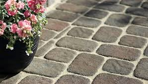 Lowes Patio Stone by Wall Blocks Pavers And Edging Stones Guide