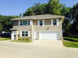 3 bedroom apartments in iowa city apartments in iowa city iowa city apartments condos off cus