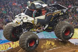 monster jam madusa truck pirate u0027s curse monster trucks wiki fandom powered by wikia
