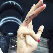 finger saying princess