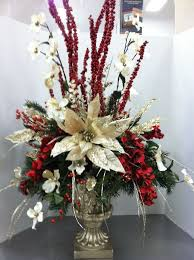 Ideas For Christmas Centerpieces - best 25 christmas floral arrangements ideas on pinterest