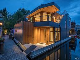 5 houseboats and floating homes for sale in seattle right now