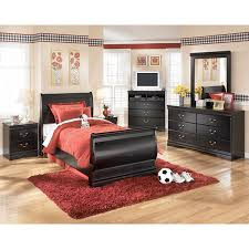Clearance Bedroom Furniture by Good Clearance Bedroom Furniture On Huey Vineyard Bedroom Set