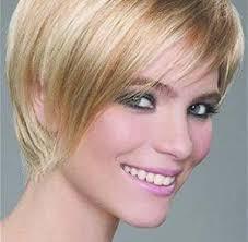 coupe cheveux fins visage ovale coupe de cheveux femme 50 ans 60 ans coiffure femme senior