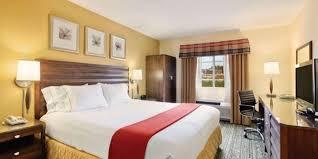 2 bedroom suites san diego holiday inn express suites san diego escondido hotel by ihg