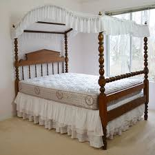 antique canopy bed antique federal style pine 3 4 canopy bed circa 1880s ebth