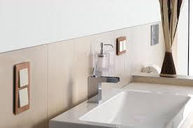 steckdosen badezimmer licht kontor schaltermaterial
