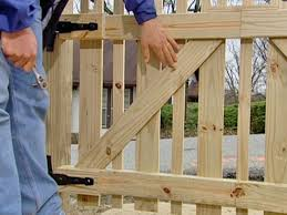 Plans To Build A Cabin How To Build A Custom Picket Fence How Tos Diy