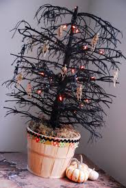 halloween tree with ornaments 349 best halloween trees images on pinterest disney halloween
