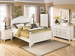 white cottage style bedroom furniture cottage style bedroom with white cream to go bedroom furniture