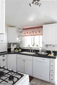pictures of small country kitchens best best kitchen ideas images