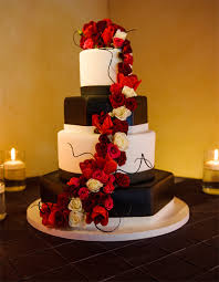wedding wednesdays q u0026a do you need a cake stand