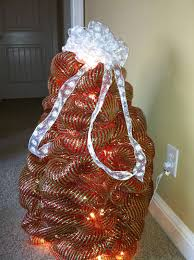 my crafty world deco mesh christmas tree