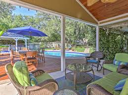 covered outdoor seating new whimsical 3br san antonio cottage homeaway uptown