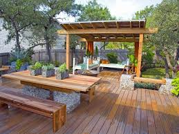 Outdoor Entertainment - decorate your deck for outdoor entertaining goodiy
