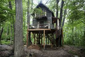 tricked out treehouse is ultimate man cave for minnesota magician