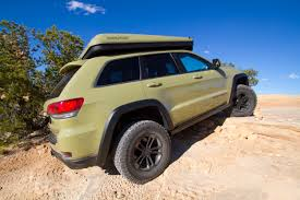 rose gold jeep cherokee the jeep grand cherokee overlander concept what it s like to drive