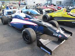 formula renault file 2010th formula renault 2 0 car front right view jpg