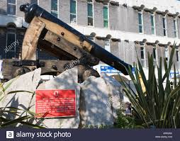 siege canon gibraltar casemates square canon mounted on depressing carriage