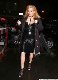 Style Ellie Goulding Ellie Goulding Channels In Dress For