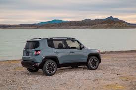 gas mileage for jeep 2015 jeep renegade estimated at 30 mpg highway motor trend wot