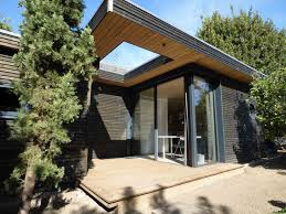 bureau de jardin en kit 2 studios bois indépendants à poser dans jardin la maison bois