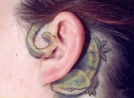 Blind Spot Behind Ear 30 Incredible Lizard Tattoos With Meanings Art And Design
