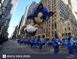 new york usa 28th november 2013 the sonic the hedgehog balloon