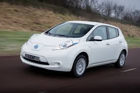 nissan leaf youtube review 2015 nissan leaf review l chickdriven chickdriven com