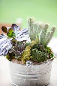 Tin Buckets For Centerpieces by Chic Galvanized Metal Decor Ideas Linentablecloth