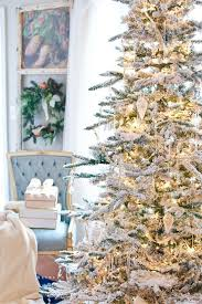 a flocked tree gold and white decor ideas