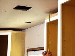 Kitchen Cabinet Moldings Plain Crown Molding Crown Moulding Kitchen Cabinets Crown Molding
