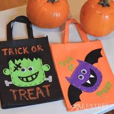 halloween trick or treat bags an easy diy idea