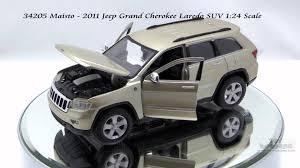 jeep cherokee toy 34205 gold maisto 2011 jeep grand cherokee laredo suv 124 scale