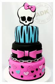 Cool Halloween Birthday Cakes by Best 20 Monster High Cakes Ideas On Pinterest Monster High