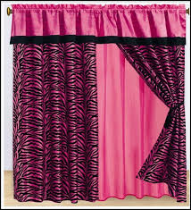 Black And Fuchsia Curtains Interesting Pink And Black Curtains And Pink And Black Curtains