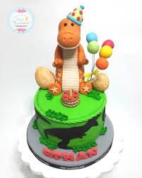 dinosaur birthday cake dinosaur birthday cakes for kids popsugar