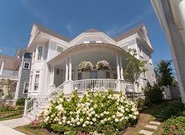pretty houses a beach house built near the ocean in norfolk virginia