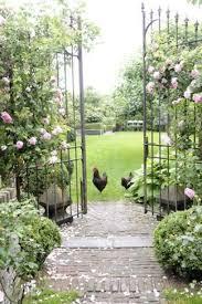 portails de jardin portail portillon porte et clôture pour sécuriser votre jardin