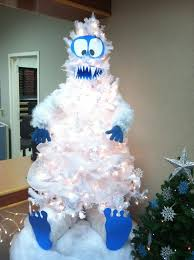 snowman christmas tree best 25 snowman tree ideas on christmas centerpieces