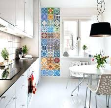 frise carrelage cuisine carreaux adhesifs cuisine une frise verticale adhacsive imitation