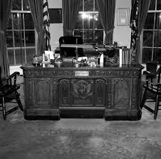 white house rooms oval office president u0027s desk john f kennedy