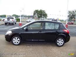 nissan tiida hatchback 2012 2009 nissan versa 1 8 sl hatchback in super black 410363 autos
