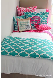 Dorm Bedding For Girls by Best 10 Preppy Bedding Ideas On Pinterest Preppy Bedroom