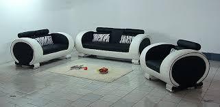 comment nettoyer du vomi sur un canapé en tissu bien nettoyer un canapé en tissu avec du bicarbonate
