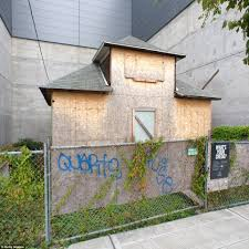 edith macefield u0027s u0027up u0027 style house in seattle will finally face