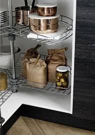 rangement dans la cuisine rangement cuisine les 40 meubles de cuisine pleins d astuces